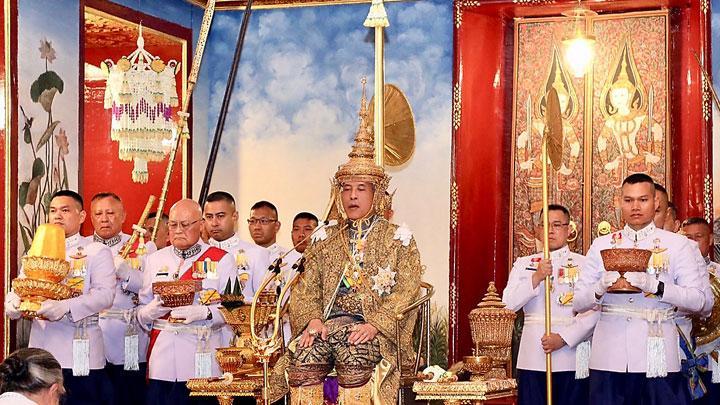 Raja Maha Vajiralongkorn Dinobatkan sebagai Rama X Thailand