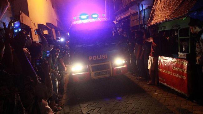 Polisi Ungkap Cara Tersangka Teroris Buat Senjata Diam-diam