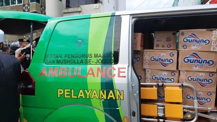 Ambulans Tepergok Bawa Makanan dan Minuman Saat Aksi 1812, Sopirnya Langsung Dibawa Polisi