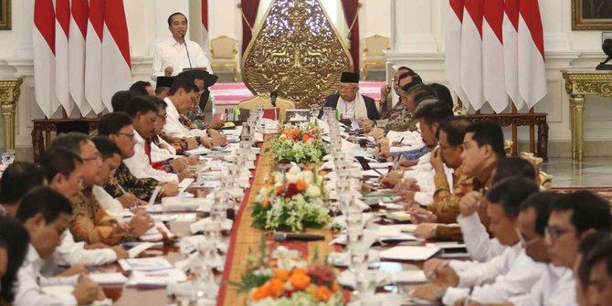 Kabar Reshuffle Kabinet: Sandiaga Menparekraf, Menkes Terawan Dicopot