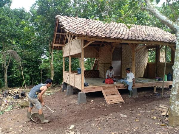 Reaksi Pertentangan Legalitas Asosiasi, Agrowisata Saung Beneng Didirikan
