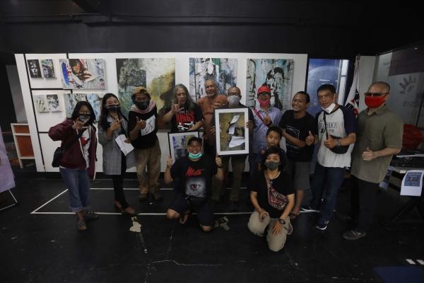 Photographer yang Sering Pameran Tunggal, Meneropong Fenomena Sosial