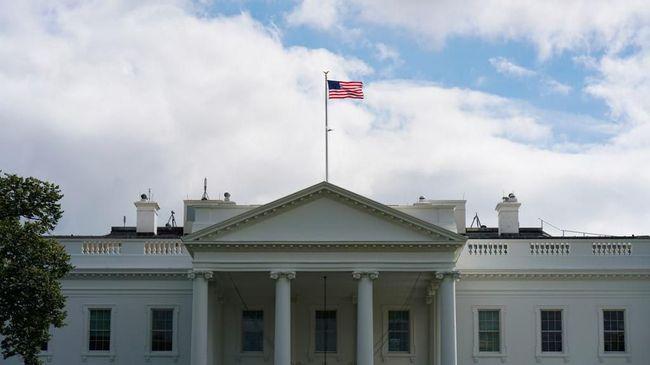 Direktur VOA Dipecat Joe Biden Usai Bebastugaskan Jurnalis RI