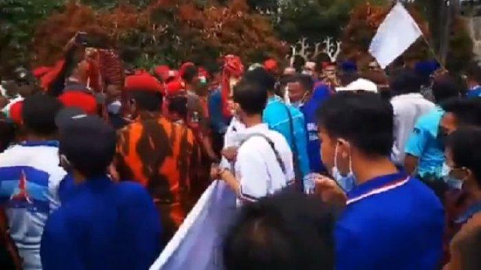 Hendak Bubarkan KLB, Kader Demokrat Dihadang Ormas Pemuda Pancasila, Andi Arief Ngadu ke Mahfud MD