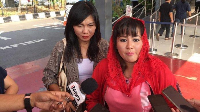 Dewi Tanjung Minta Wanita Bercadar dan Pria Bercelana Cingkrang Sebaiknya Keluar dari Indonesia