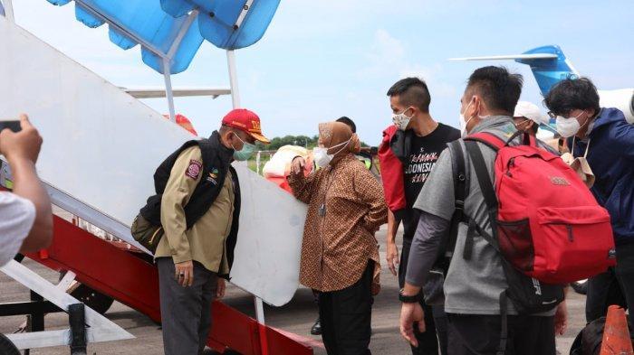 Tak Kenal Lelah Pastikan Bantuan Sampai ke Tangan Pengungsi, Mensos Kunjungi Lagi Dua Lokasi di NTT
