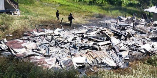 KKB Bakar Gedung Sekolah dan Puskesmas serta Rusak Tiga Jalan di Papua