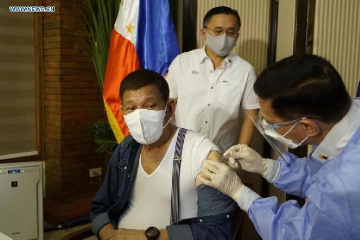Rodrigo Duterte Beri Ancaman Penjara Bagi Warga Penolak Vaksinasi COVID-19