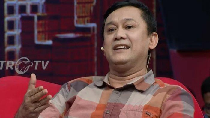 Pasang Badan untuk Jokowi, Denny Siregar Serang Balik Partai Demokrat, Singgung Kasus Hambalang