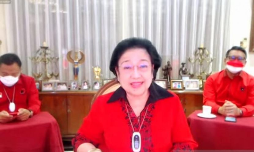 Megawati Muncul Di Depan Kader, Tegaskan Dirinya Sehat