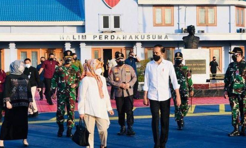 Terbang ke Sulsel, Jokowi Cek Vaksinasi-Resmikan Bendungan