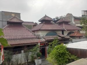Bangunan Padepokan di Petojo dengan filosofi Tujuh Raga